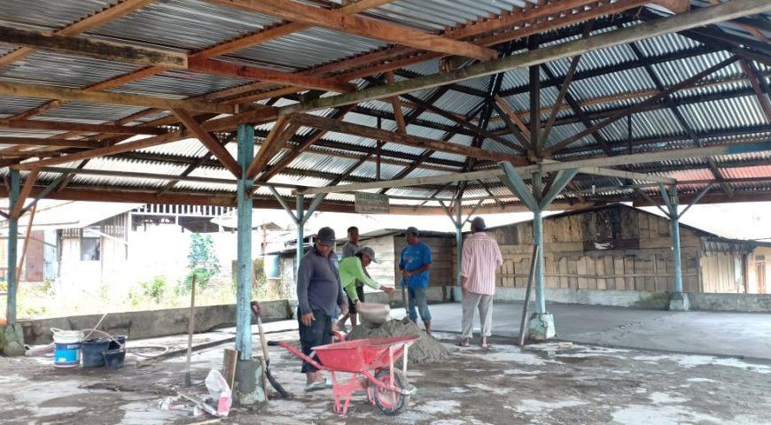 Karya Bakti TNI dan BPBD Provsu di 5 Desa Terdampak Erupsi Sinabung Telah Berjalan