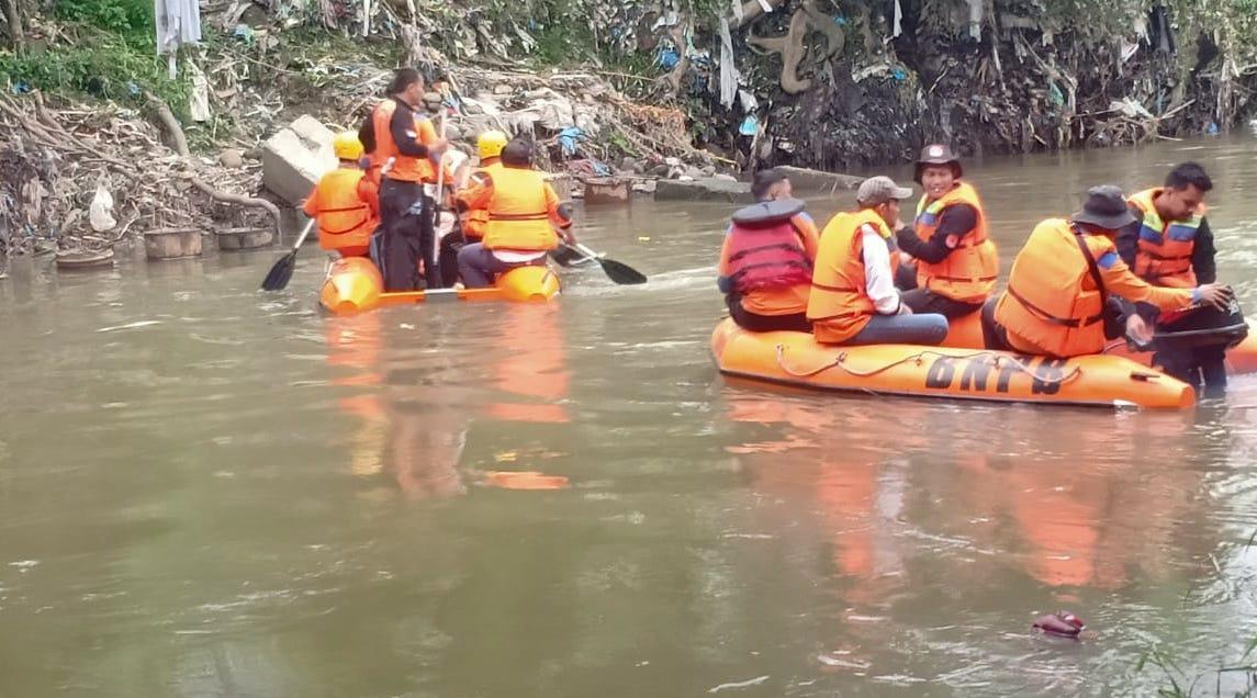 Mitigasi Bencana Banjir, BPBD Provsu Gelar Kegiatan Bersih Sungai Deli