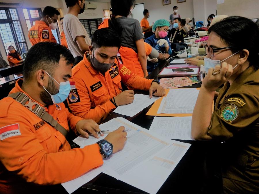 Jajaran Pegawai BPBD Provinsi Sumatera Utara Jalani Vaksinasi Covid-19